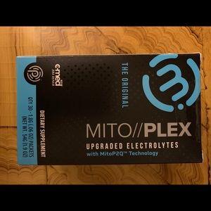 30 packs mitoplex // electrolytes- NIB